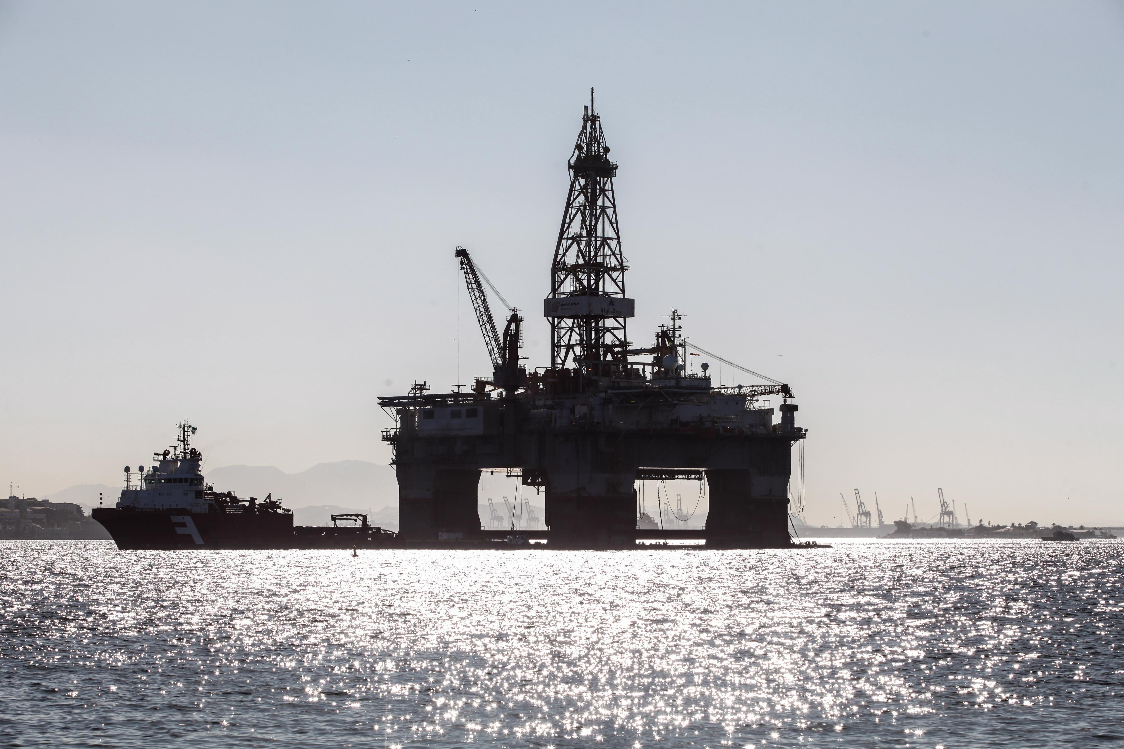 Produção de petróleo e gás natural cai 0,5% em maio